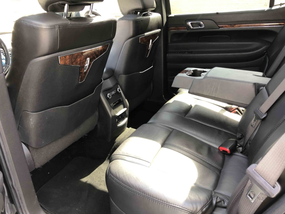 Lincoln MKT Sedan II Interior 01