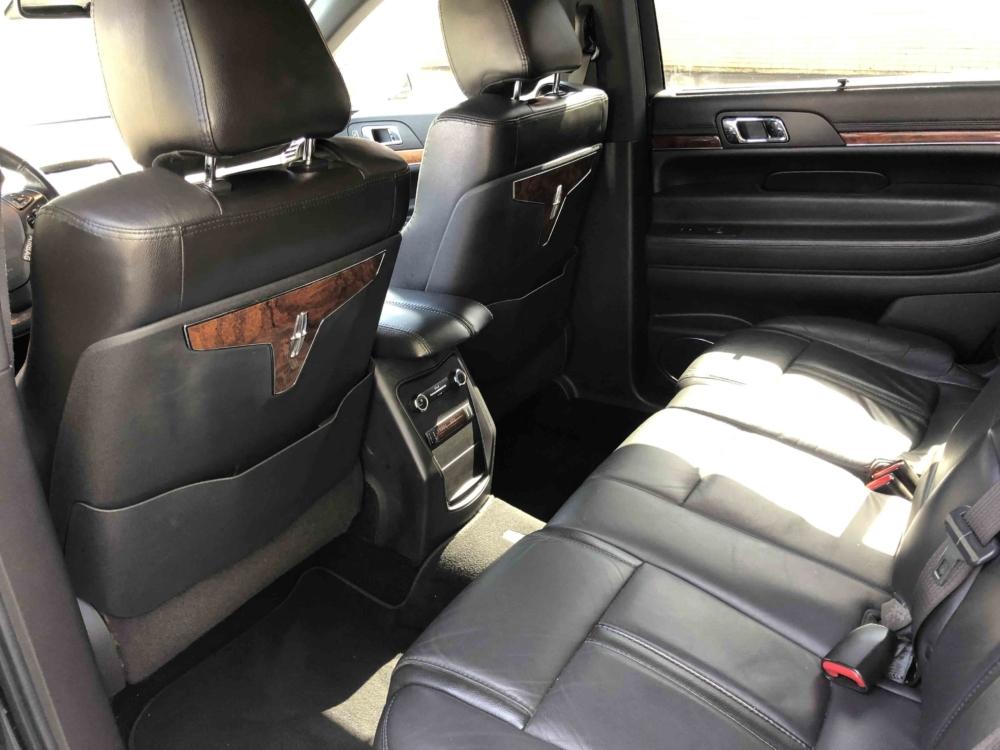 Lincoln MKT Sedan Interior 01