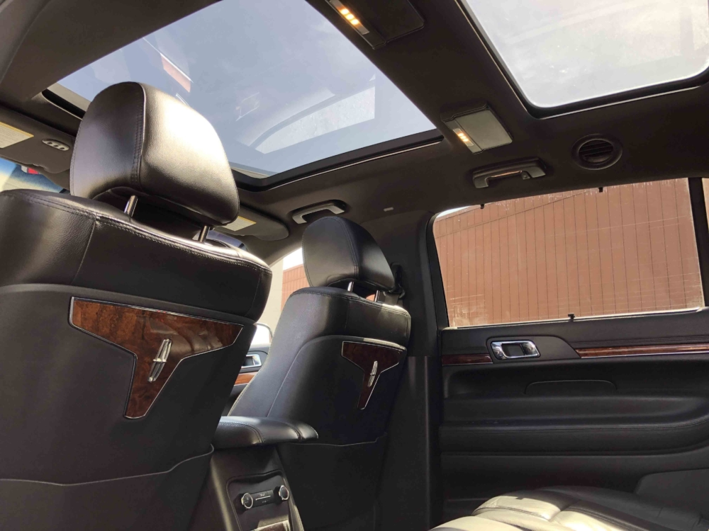 Lincoln MKT Sedan Interior 02